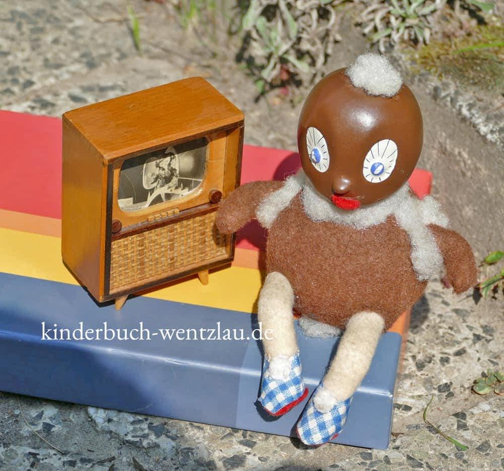 Foto Pittiplatsch der Liebe - aus dem Kinderbuch von Sylvia Wentzlau - die kleine Biene Summmalrum