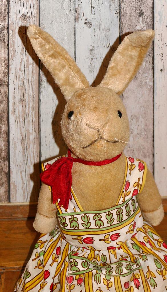 Die alte Häsin von 1932 ist ein Geschenk von meiner Freundin Susanne.