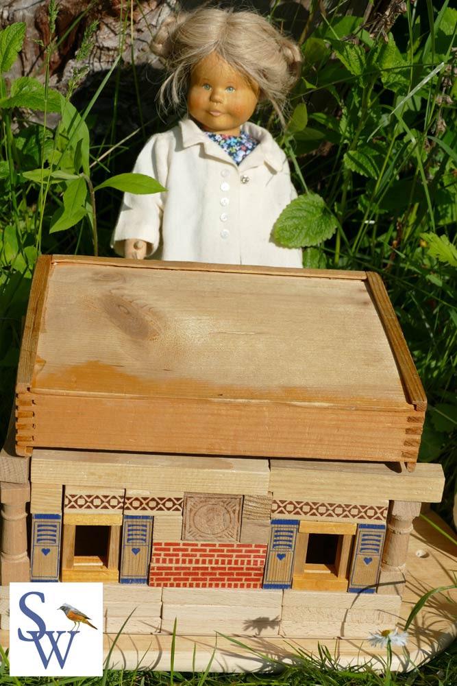 Das Dach sitzt perfekt. Lotte führt durch mein Kinderbuch Lottes magische Reise